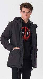 Czarny płaszcz męski House w młodzieżowym stylu