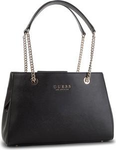 21de391f5512f Czarne torebki kuferki na ramię Guess