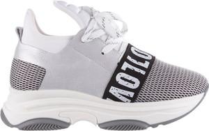 Buty sportowe bayla ze skóry sznurowane z nadrukiem