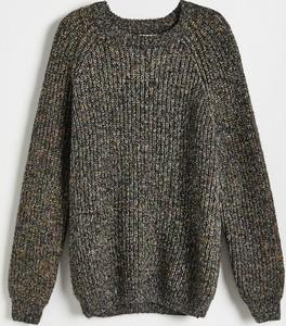 Sweter Reserved z dzianiny w młodzieżowym stylu z okrągłym dekoltem