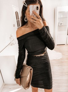 Czarna sukienka Pakuten z długim rękawem mini