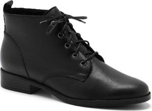 Czarne botki Ryłko w stylu casual sznurowane