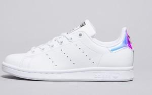 Trampki Adidas w sportowym stylu z płaską podeszwą sznurowane