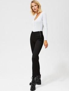 Czarne jeansy Moodo