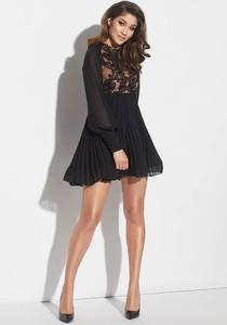 Czarna sukienka Lou Women`s Fashion mini rozkloszowana z okrągłym dekoltem