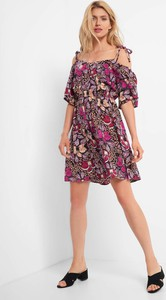 Sukienka ORSAY z krótkim rękawem hiszpanka z tkaniny