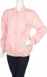 Różowa kurtka Pull&Bear w stylu casual krótka