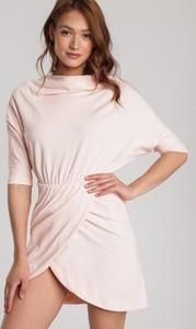Różowa sukienka Renee w stylu casual