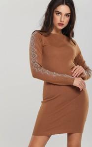 Brązowa sukienka Renee w stylu casual mini z długim rękawem