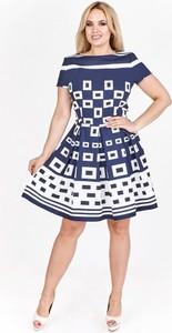78752dcb2e Koktajlowa sukienka. Sukienka Filloo z okrągłym dekoltem midi