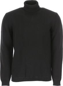 Czarny sweter Roberto Collina z wełny