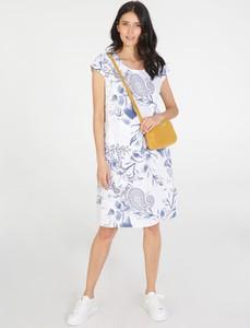 Niebieska sukienka Unisono z okrągłym dekoltem