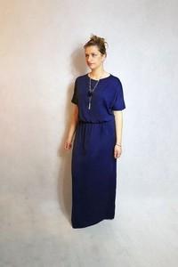Sukienka Meleksima z krótkim rękawem maxi