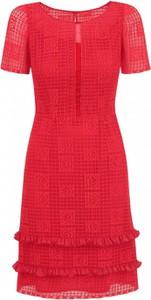 Czerwona sukienka POTIS & VERSO z okrągłym dekoltem z krótkim rękawem