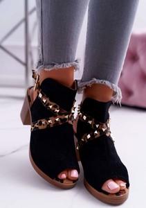 Sandały Lu Boo z klamrami