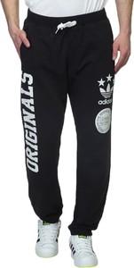 Spodnie sportowe Adidas z bawełny w street stylu