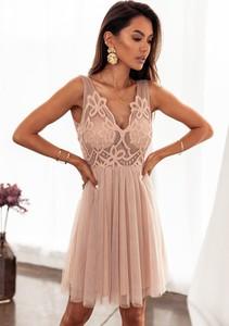 Sukienka Latika z tkaniny z dekoltem w kształcie litery v