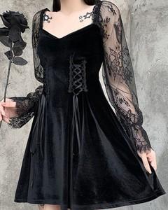 Czarna sukienka Kendallme z dekoltem w kształcie litery v mini z długim rękawem