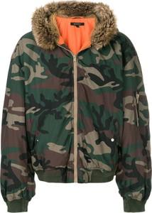 Kurtka Yeezy w militarnym stylu