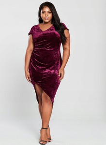 Czerwona sukienka Ax Paris z weluru