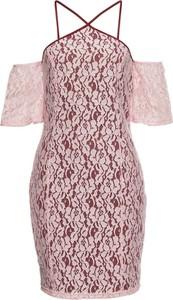 Różowa sukienka bonprix BODYFLIRT boutique z dekoltem halter mini z krótkim rękawem