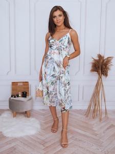 Sukienka Dstreet z dekoltem w kształcie litery v na ramiączkach w stylu casual