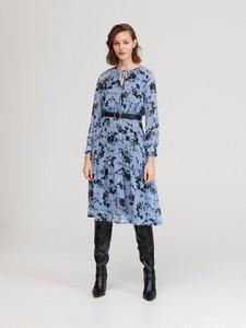 Niebieska sukienka Reserved prosta w stylu casual