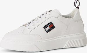 Buty sportowe Tommy Jeans w sportowym stylu z płaską podeszwą