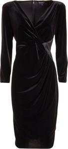 Czarna sukienka Emporio Armani z długim rękawem mini