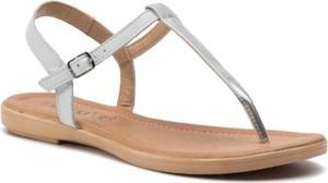 Srebrne sandały Lasocki z płaską podeszwą z klamrami w stylu casual