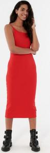Czerwona sukienka Outhorn midi