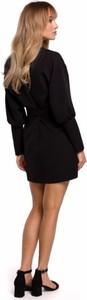 Czarna sukienka MOE z dekoltem w kształcie litery v z długim rękawem mini