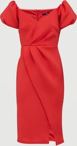 Czerwona sukienka V by Very z neoprenu