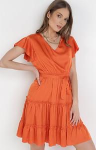 Sukienka born2be mini z dekoltem w kształcie litery v trapezowa
