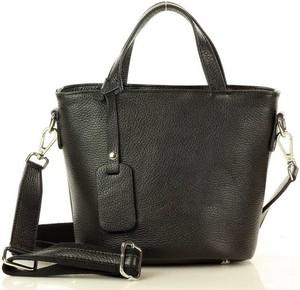 Czarna torebka Merg w stylu glamour na ramię ze skóry