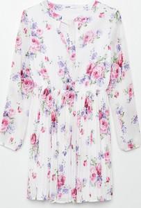 Sukienka Cropp z okrągłym dekoltem z długim rękawem