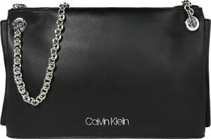 Torebka Calvin Klein na ramię średnia