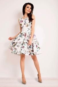 Sukienka Infinite You z okrągłym dekoltem mini