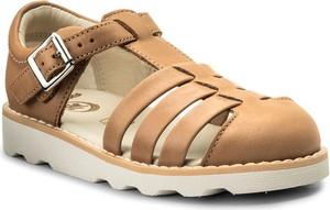 Brązowe buty dziecięce letnie clarks