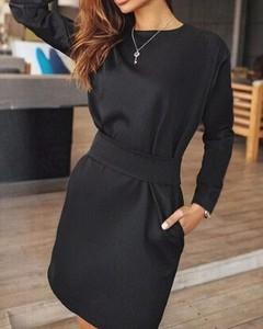 Czarna sukienka Kendallme z długim rękawem w stylu casual