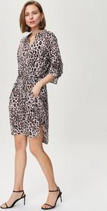 Sukienka FEMESTAGE Eva Minge z długim rękawem w stylu casual