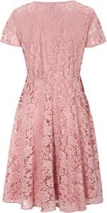 Różowa sukienka Cellbes z krótkim rękawem z okrągłym dekoltem z dżerseju