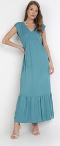 Niebieska sukienka born2be maxi