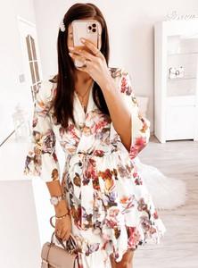 Sukienka Pakuten mini w stylu casual z dekoltem w kształcie litery v