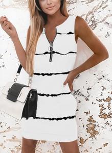Sukienka Kendallme dopasowana w stylu casual