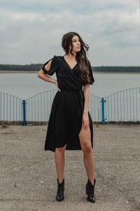 Sukienka Oscar Fashion z szyfonu midi
