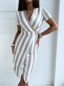 Sukienka Versada z krótkim rękawem midi