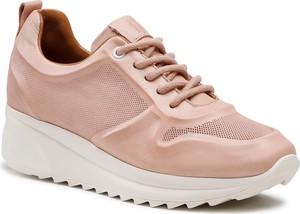 Różowe buty sportowe Badura na platformie