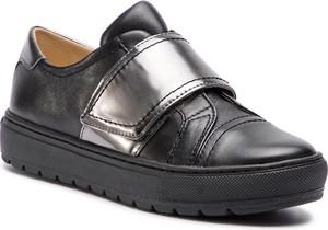 Sneakersy Geox ze skóry ekologicznej w młodzieżowym stylu