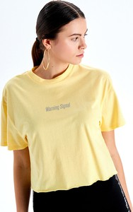 Żółty t-shirt Cropp z okrągłym dekoltem z krótkim rękawem w młodzieżowym stylu